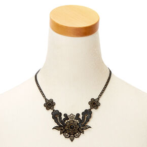 Crochet Flower Statement Necklace - Black,