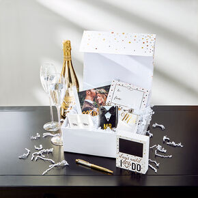 Bride and Groom Gift Set,