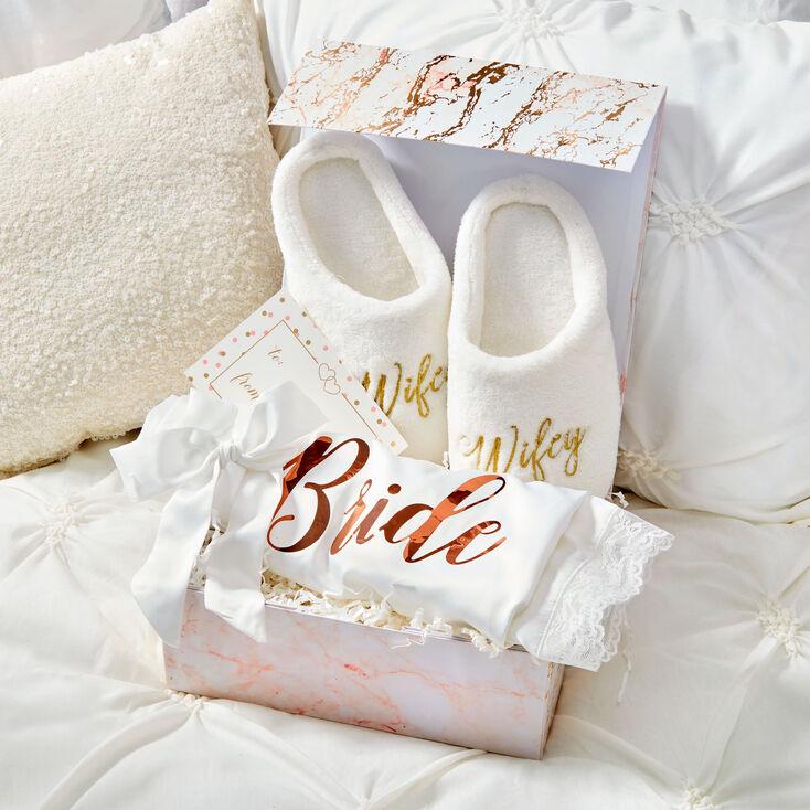 Cozy Bride Gift Set,