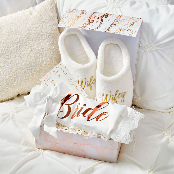 Cozy Bride Gift Set,