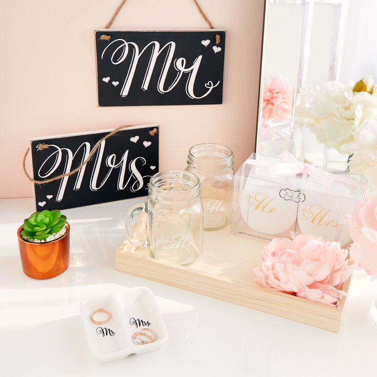 Mrs. and Mr. Gift Set,