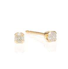 traditional genuine diamond studs